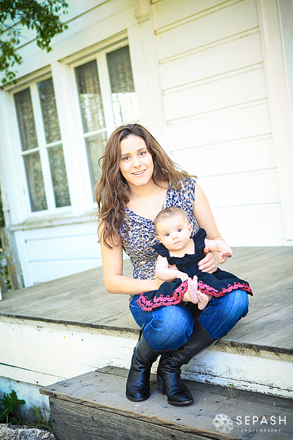 IMG_0772Portriats-San-Juan-Bautista-Photography-Photoshoot-Wilson-Family-Toddler-Mother-San-Jose-Gilroy